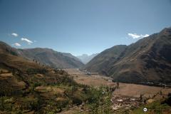 Las grandes trasformaciones del territorio llevadas a cabo por los incas, son el testimonio de una tradición que se remonta a varios miles de años atrás en los Andes. En cada contexto, el conocimiento de las dinámicas y ciclos del medio natural permitió a las diferentes culturas implementar sistemas que equilibraban las condiciones extremas.